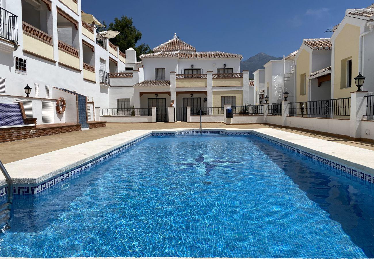 Appartement à Nerja - Chimenea Pinar Apartments Casasol
